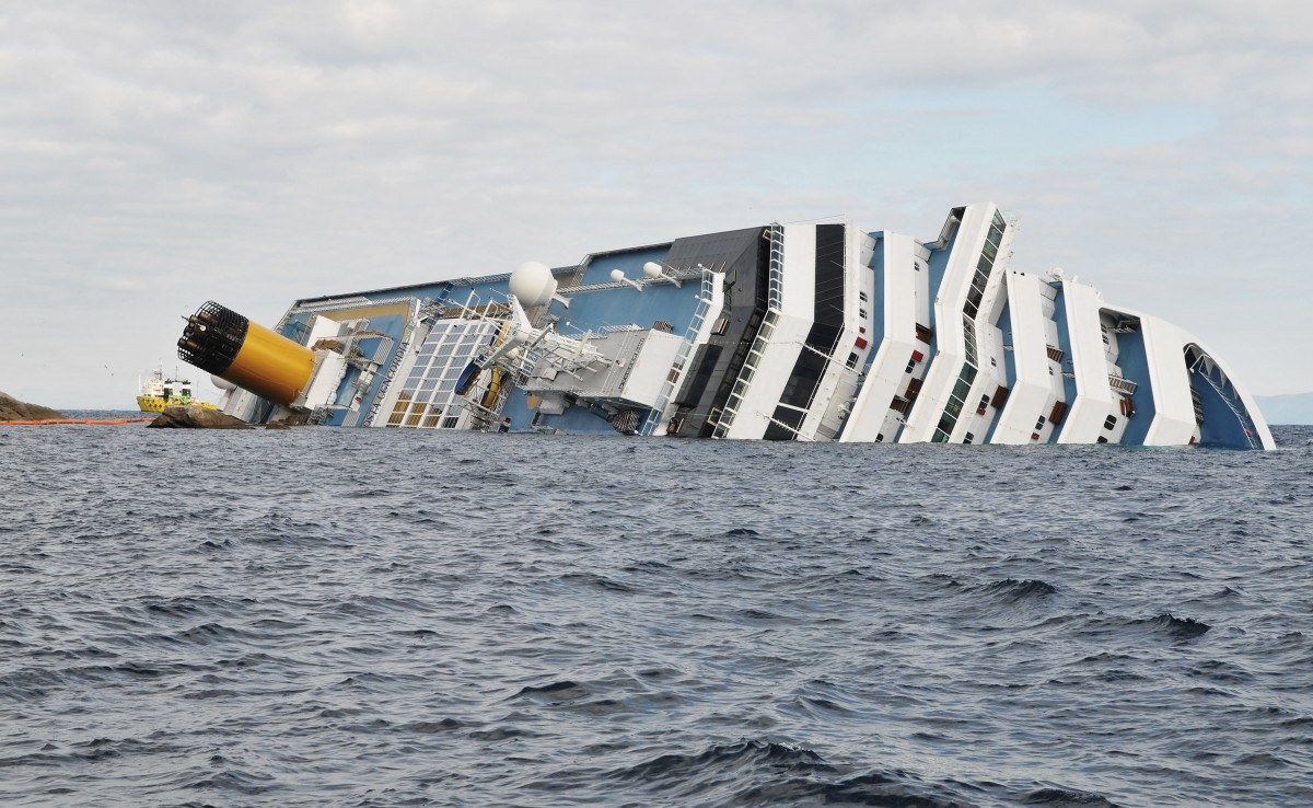 Le Costa Concordia vu du ciel